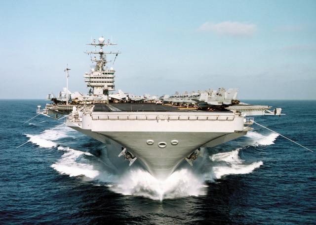aircraft-carrier-1016_640
